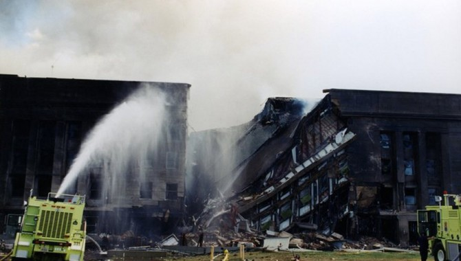 Няколко дни са необходими на пожарникарите, за да изгасят напълно пожарите-572_1