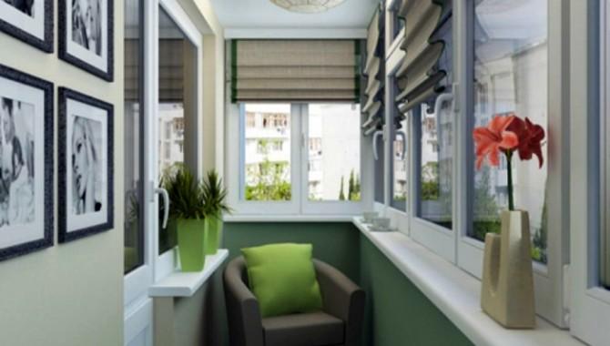 1. Зона на комфорта – зелено-бежови  стени, комфортно кресло, плътни римски щори. -614_1