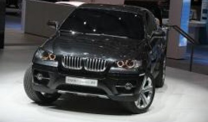 BMW представя новия си модел X6