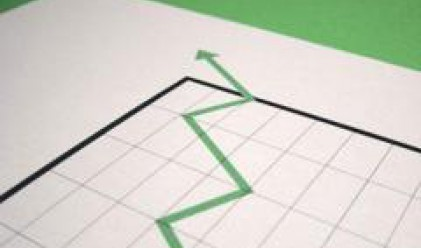 Разнопосочни движения на борсовите индекси доведоха до волатилна търговия при йената