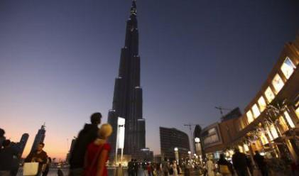 35 българи ще работят в най-високата сграда в света