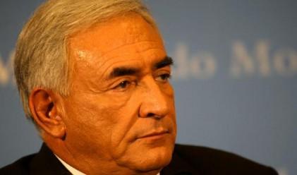 Строс-Кан: Бюджетният дефицит на Гърция е проблем