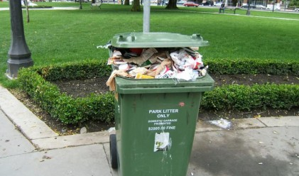 Великобритания тъне в боклук