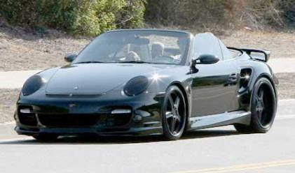 Дейвид Бекъм продава любимото си Porsche