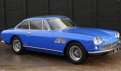 Продават Ferrari на Джон Ленън