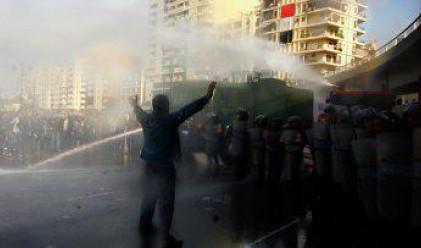 Размирен Египет остана без правителство