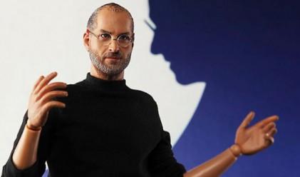 Пуснаха кукла Стив Джобс