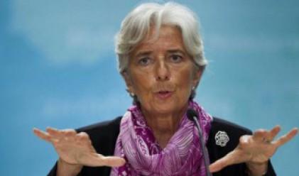МВФ: Еврозоната може да не изпадне в рецесия през 2012 година
