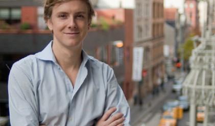 Съосновател на Facebook купува политическо списание