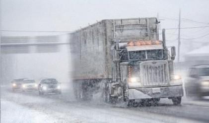 Ограничения в движението заради снега въведоха в Смолян, София и Благоевград