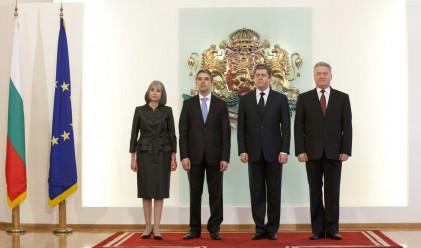 Три отсъствия по време на церемонията, с която Плевнелиев стана президент