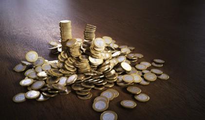 Депозитите се увеличават почти четири пъти по-бързо от кредитите