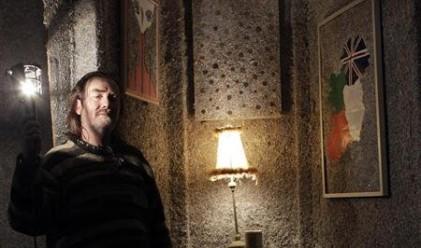 Безработен ирландец си построи къща от нарязани евробанкноти