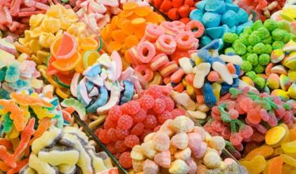 Килограм бонбони за всяко дете за рождения ден на Ким Чен Ун
