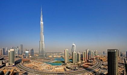 Какво се вижда от върха на Burj Khalifa? (видео)