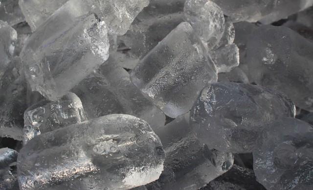 Знаете ли, че ледът е добър за красотата ви?