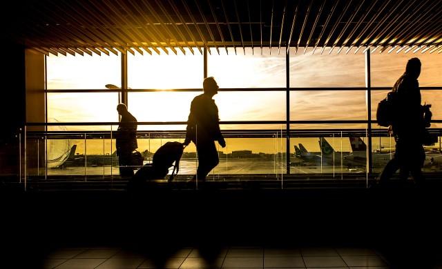 Защо не трябва да ходите боси на летището