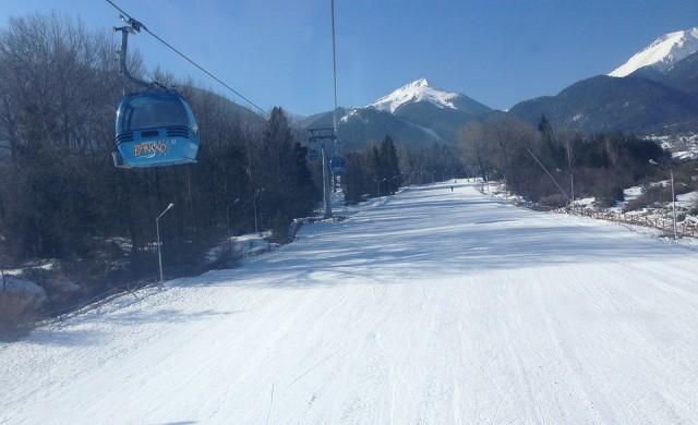 Хиляди туристи в Банско, 40 см сняг по пистите