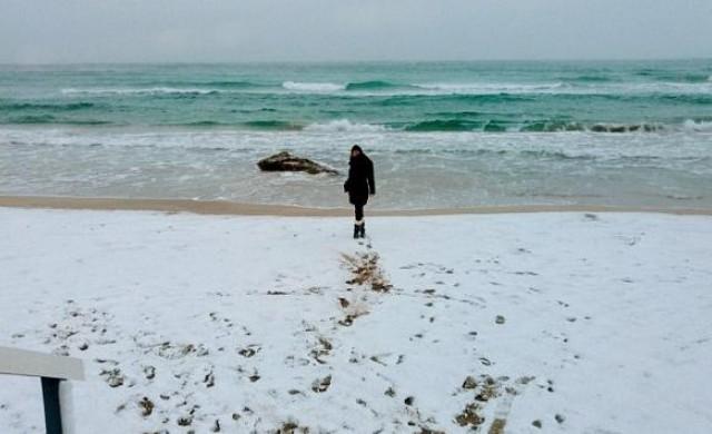 Сняг покри плажовете на Саленто. Идва ли краят на света?