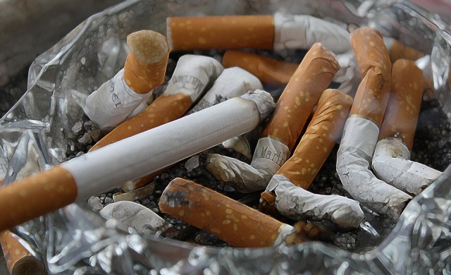 Колко струва пушенето на световната икономика