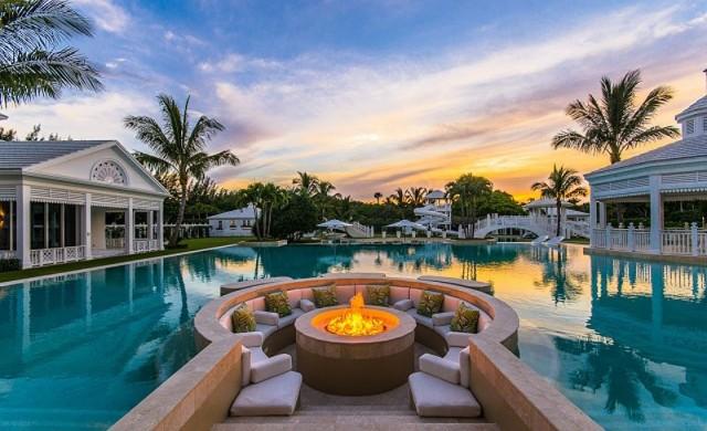 Селин Дион за пореден път смъкна цената на имението във Флорида