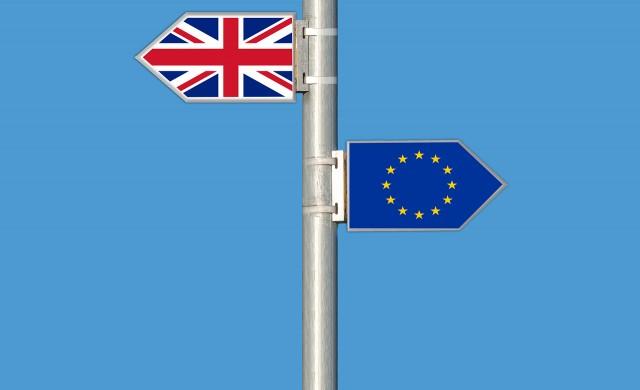 """Мей ще търси """"твърд"""" брекзит и ново търговско споразумение с ЕС"""