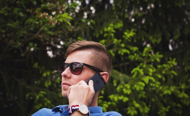 Глобиха британски мобилен оператор с 3 млн евро, надписвал сметки