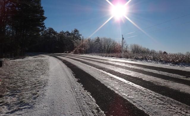 Сняг вали почти в цялата страна, 1600 снегорина са на терен