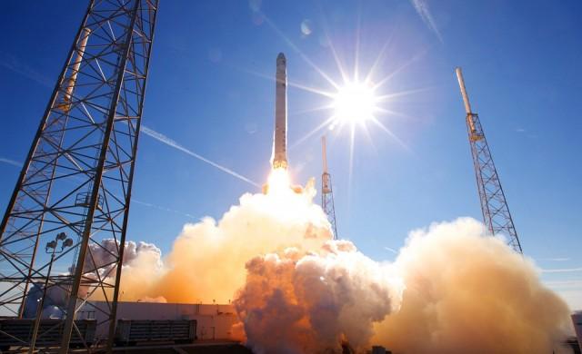 Илон Мъск прати в Космоса таен сателит на правителството на САЩ