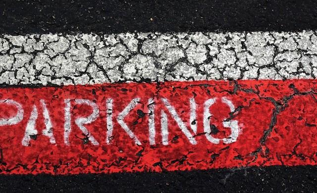 Софиянци със стикери в блокирани от МВР зони ще паркират в други