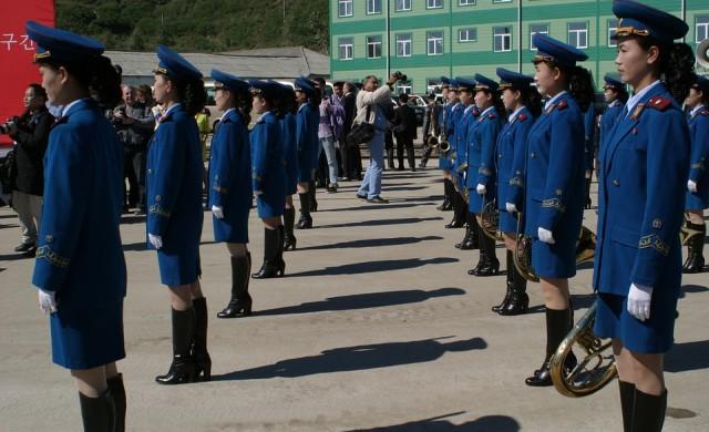 Северна Корея праща мажоретки на Зимните олимпийски игри