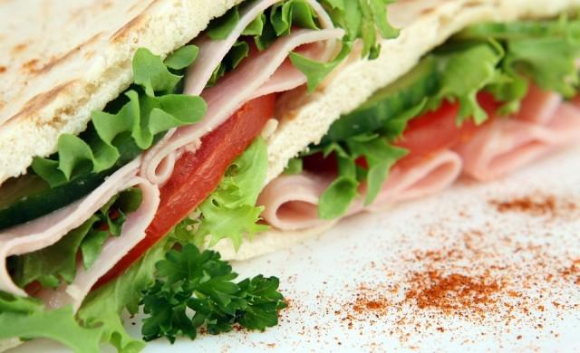 Сандвичите в Англия замърсяват въздуха колкото 8 млн. коли