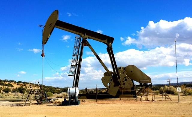 Хеджфондовете залагат сериозно на петрола