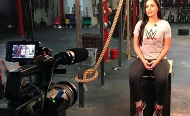 Тя е първата кечистка от арабски произход