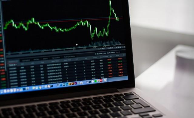 Азиатските акции отстъпиха от рекордните си нива