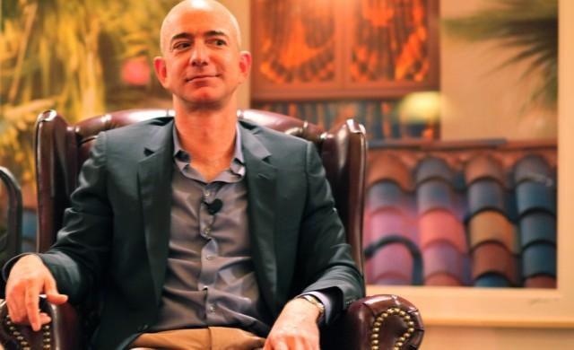 Първият човек със състояние от над 120 млрд. долара