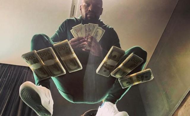 Флойд Мейуедър прибра 9 млн. долара за 139 секунди