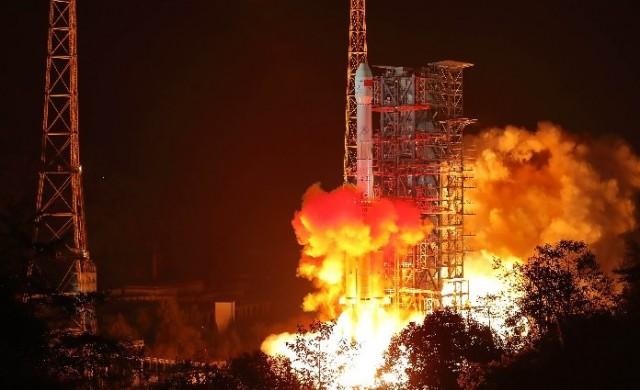 Китай кацна на тъмната страна на Луната