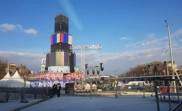 Сцената в Пловдив е готова, градът чака над 40 000 гости (снимки)