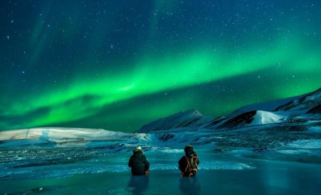 По какво северното сияние се различава от южното?