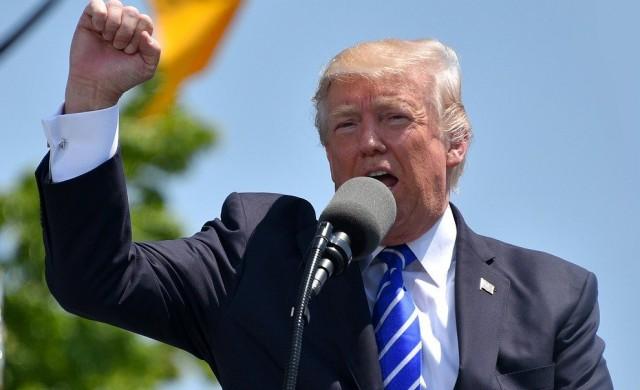 Тръмп заплаши с удари по 52 обекта в Иран