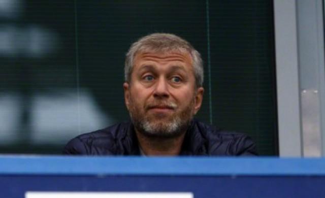 Какво се случва с Роман Абрамович и Челси?