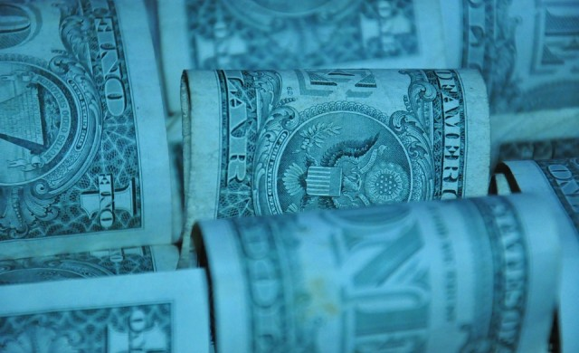Световният дълг достигна рекордните 253 трлн. долара
