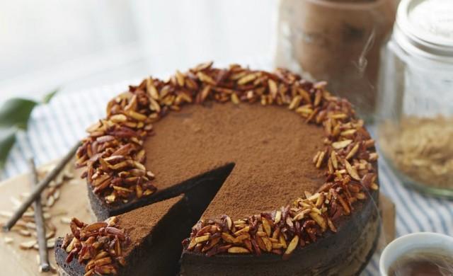 Учените обясняват защо винаги имате място за десерт