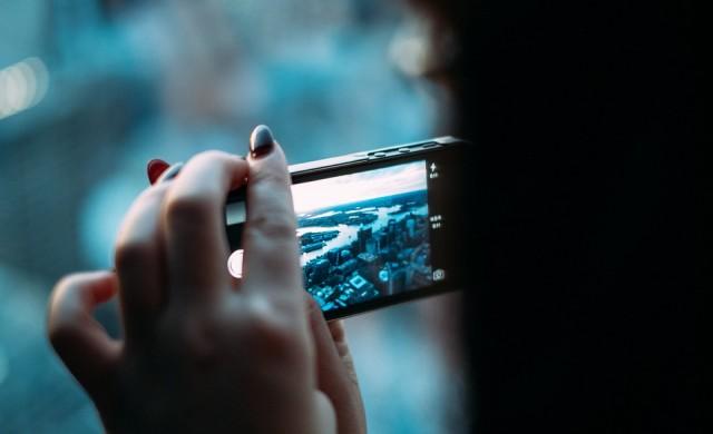 Ще продължи ли спадът в продажбите на смартфони по света?