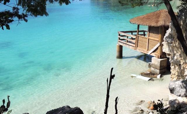 Airbnb праща петима доброволци за два месеца на Бахамите