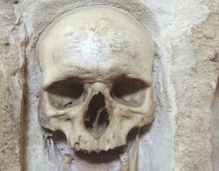 Кулата с черепите, разказваща борбата за свобода на сръбския Ниш