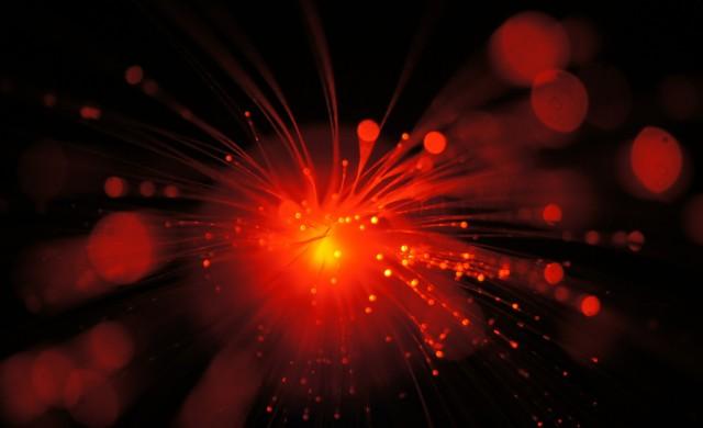 История на оптичните мрежи: Как светлината може да носи информация