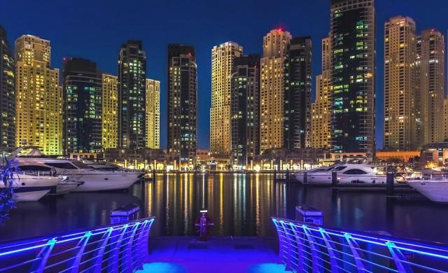 Уникален плаващ курорт строят във водите на Dubai Marina (снимки)