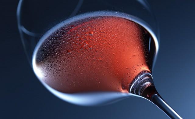 Вино, прекарало година в Космоса, се върна на Земята и е готово за пиене